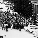 En los juzgados para sacar a los estudiantes detenidos el dia anterior